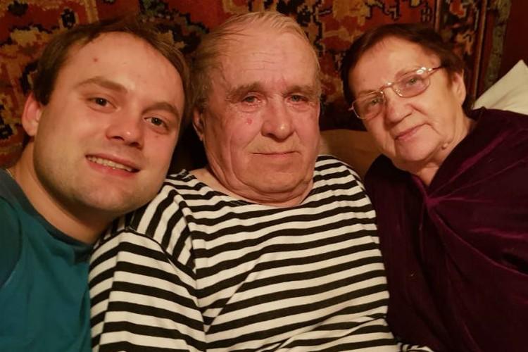 В Братске Семен навещает бабушку и дедушку. Фото: личный архив Семена Павличенко