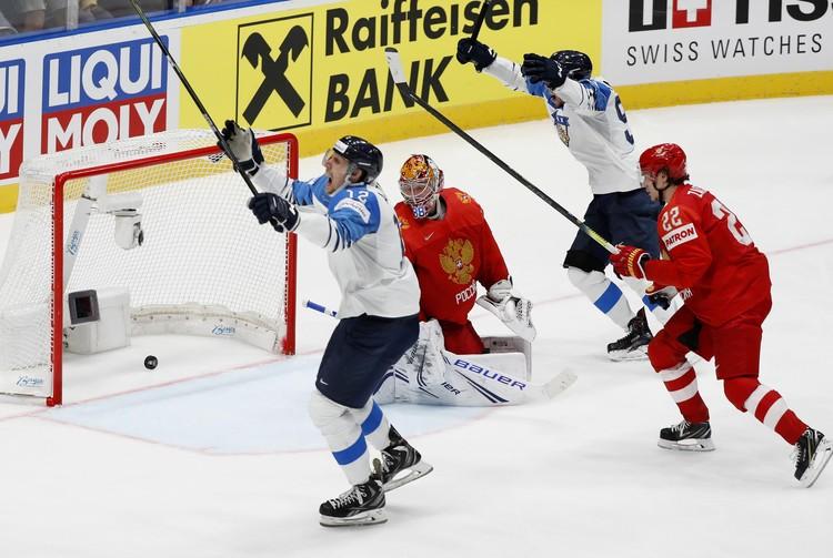 Финляндия в конце игры открыла счет в матче.