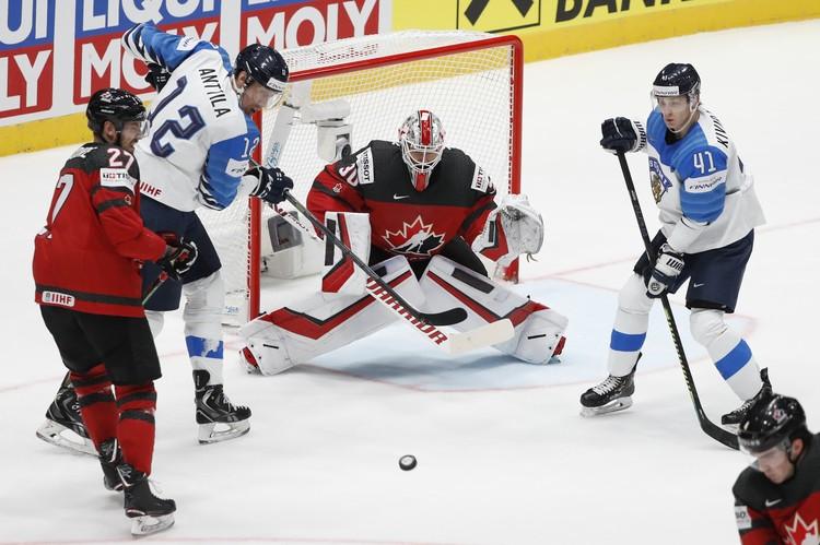 Команда Финляндии забросила три ответные шайбы в ворота Канады и победила