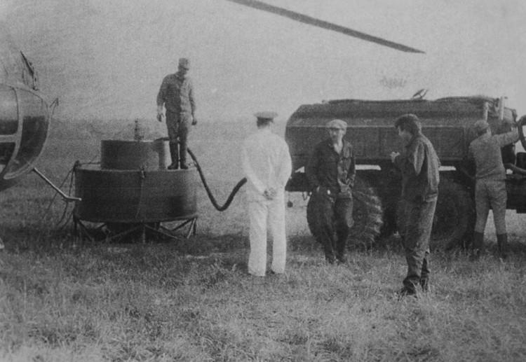 Такие устройства заправляли каучуком, после чего вертолеты несли их к АЭС и выливали на землю, чтобы сдержать радиоактивную пыль. Фото: предоставлено Владимиром Тарасевичем