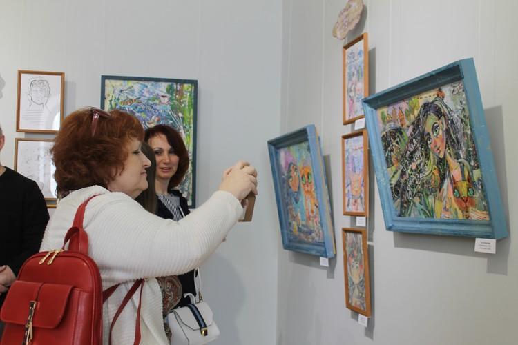 Выставка будет работать до середины июня.