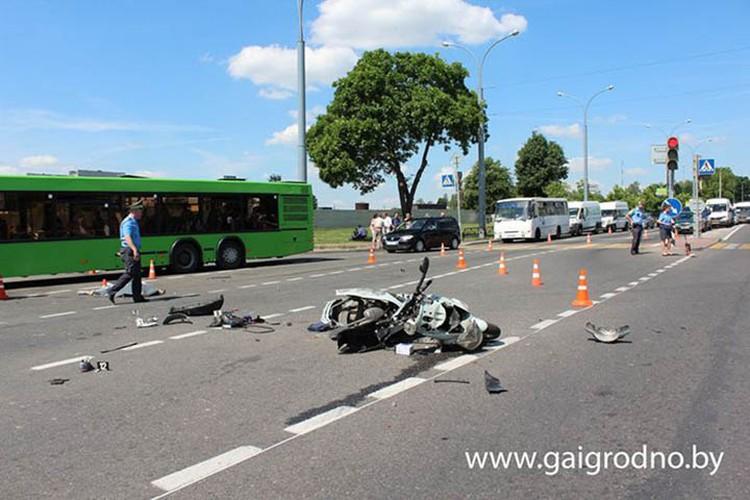 Авария произошла на перекрестке Индурского шоссе и улицы Кабяка в Гродно. Фото: ГАИ Гродно