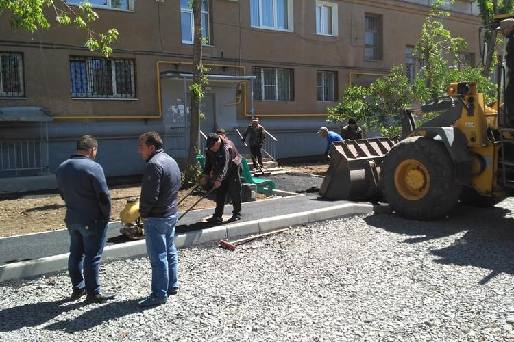 Строители спешат закончить все работы к Дню города, который будут отмечать 21 июля.