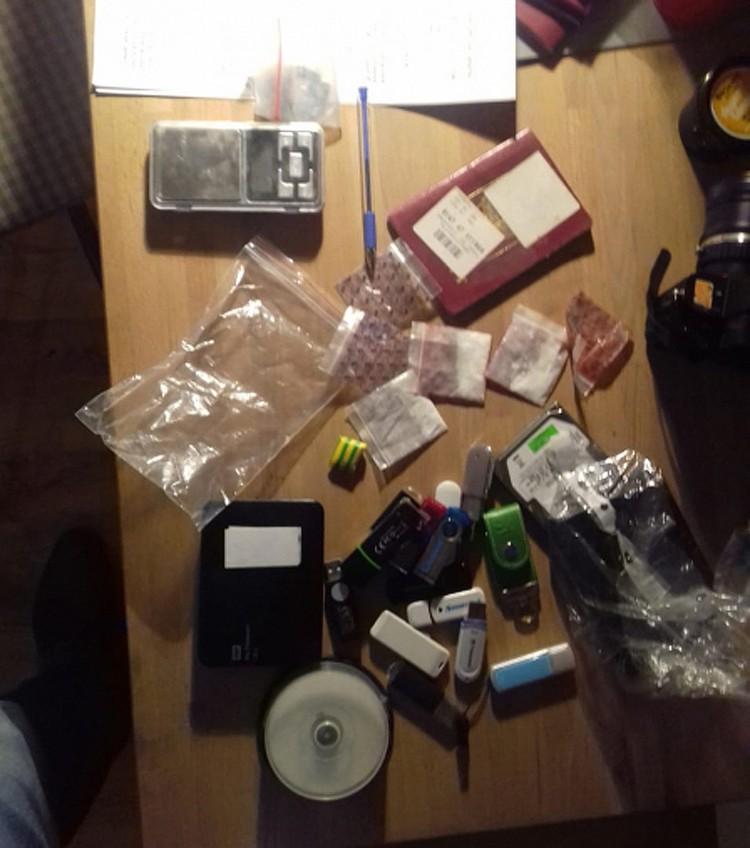 Распространенная МВД фотография результатов обыска в квартире Голунова. Фото МВД.рф