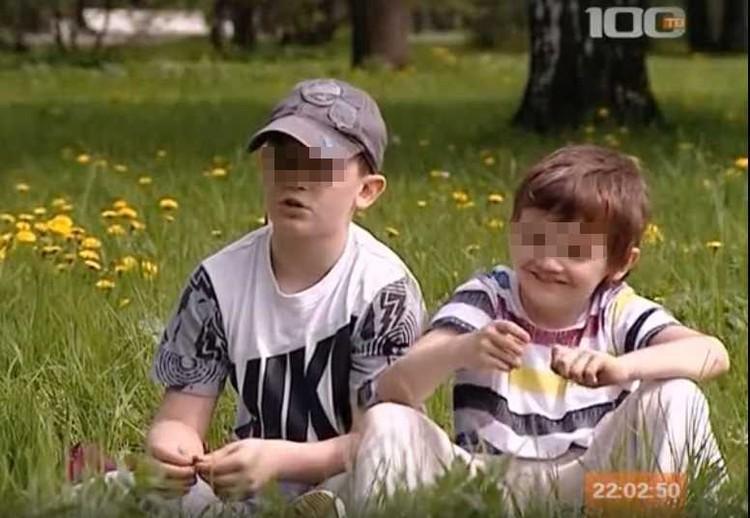 """Еще недавно братья были не разлей вода Фото: кадр из фильма """"Звезды петербургского хоккея"""""""