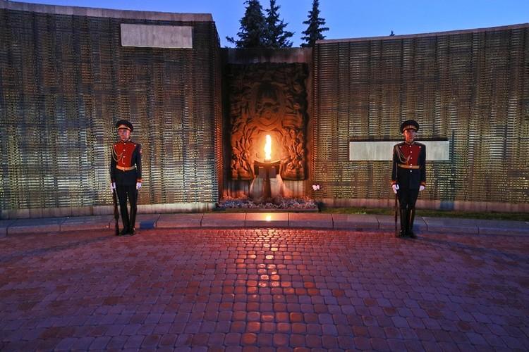 В Барнауле почтили память павших на фронтах Великой Отечественной войны
