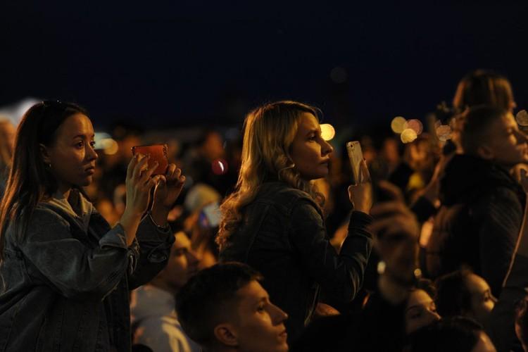 За шоу в Петербурге наблюдали больше полутора миллиона человек.