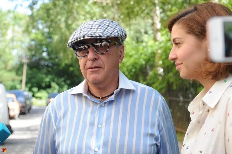 Александр Добровинский помогает Алисе Казьминой взыскать с Аршавина алименты.