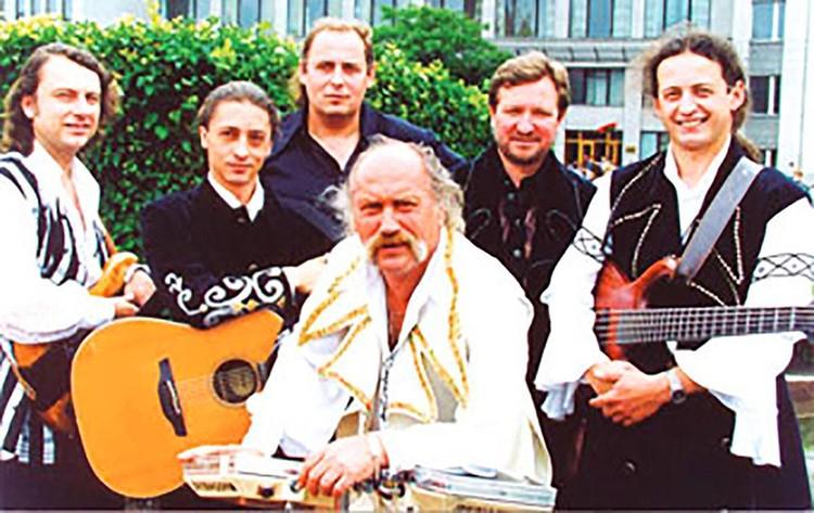 """Аркадий Ивановский (слева) работал в """"Песнярах"""" с 1996 года. Фото: Страница Аркадия Ивановского в Вконтакте"""
