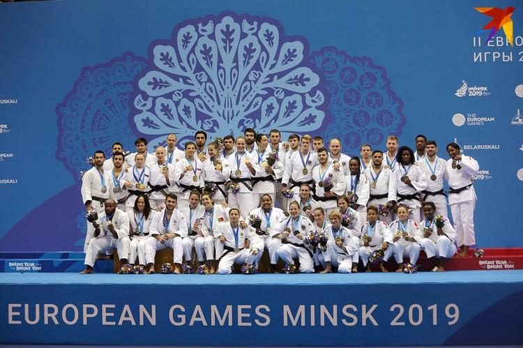 Золото - Россия, серебро – Португалия, бронзу – Франция и Австрия.