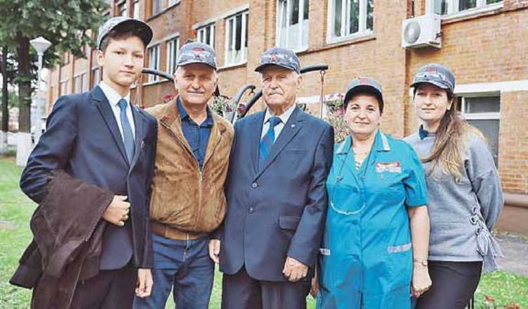 Общий трудовой стаж династии Лощилиных 194 года!