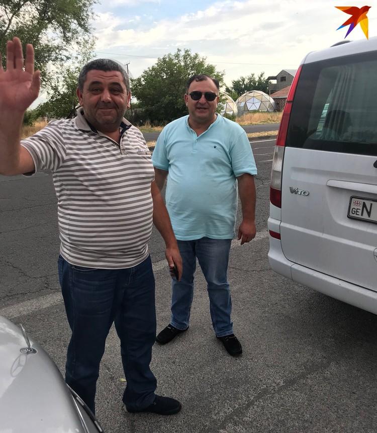 Армянские таксисты, отправившие меня из Еревана в Грузию на последней маршрутке.