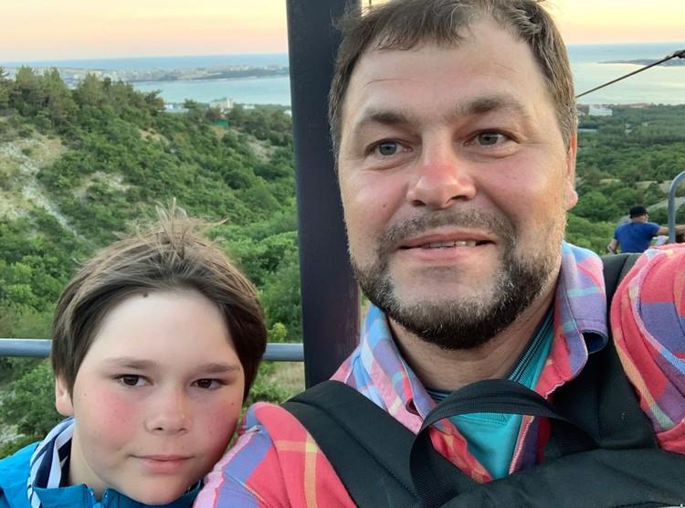 Хочешь быть на высоте - отправляйся в гору, - так сказал нам с сыном на вершине Маркотхского хребта в Геленджике старый казак. Он прав. Фото Сергей АРЧАКОВ