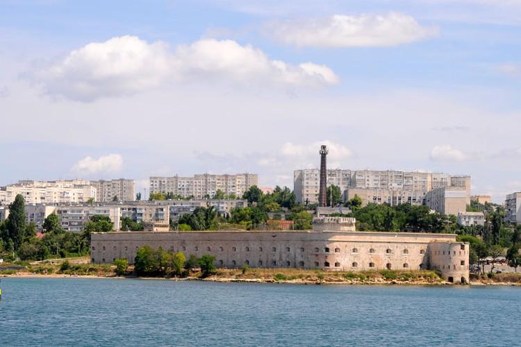 Константиновский равелин одно из самых величественных и красивых исторических защитных сооружений Севастополя.