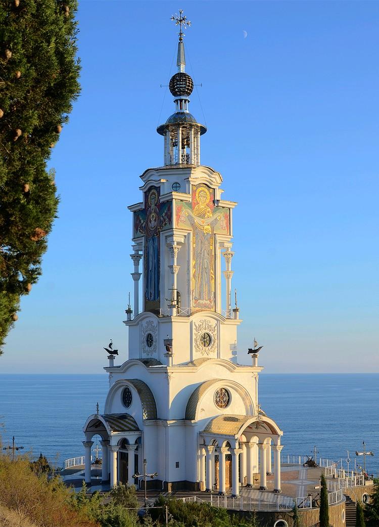 Церковь Святителя Николая в селе Малореченское.