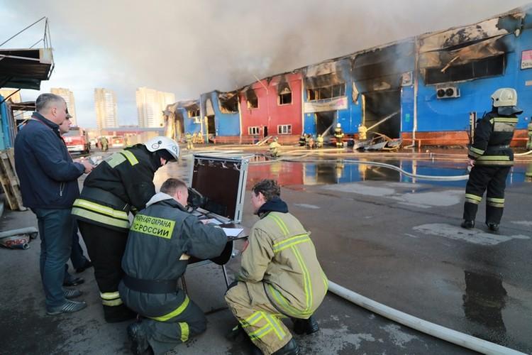 За два часа сгорело товаров на миллионы рублей