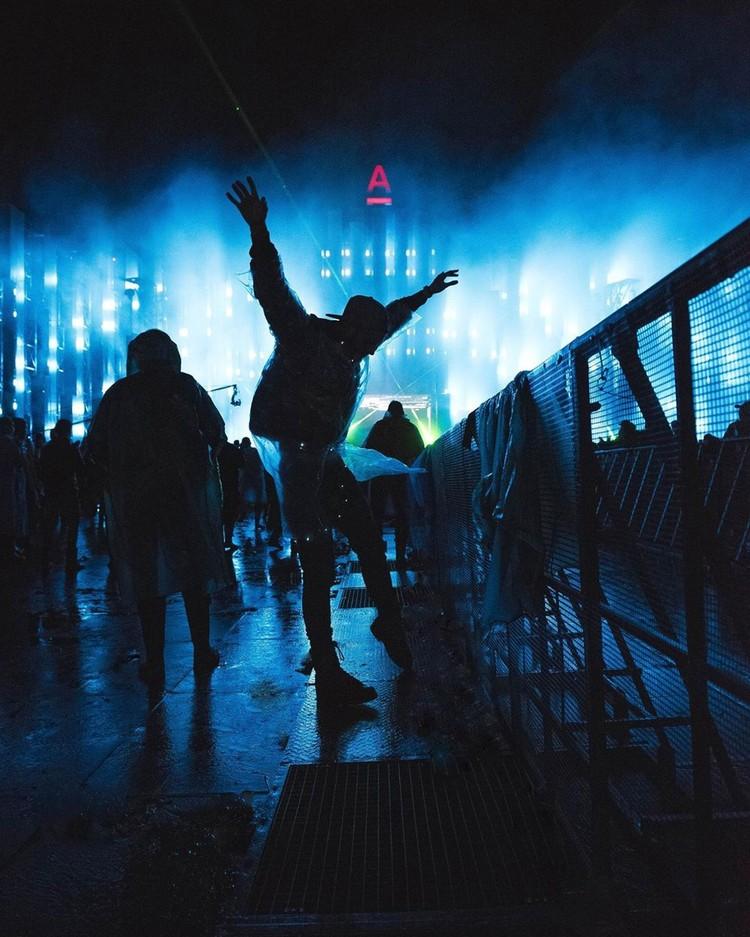 Танцы и только танцы. Фото: instagram.com_vorontsov_addiction