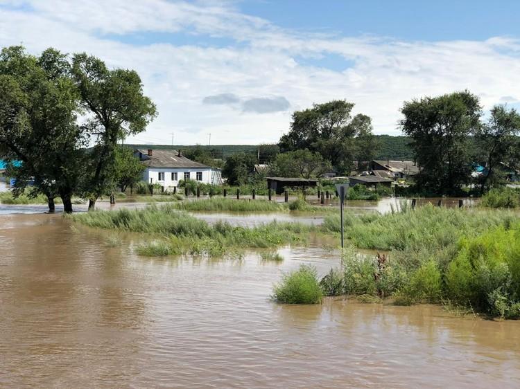 """Такой след оставил после себя тайфун """"Кроса"""" в селе."""
