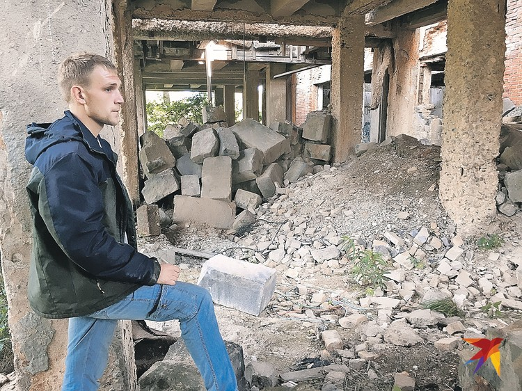 Местный житель Вадим Невмянов рассказывает много зловещих историй об этой территории.