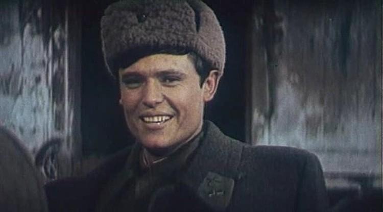 Конечно, капитаны Иван Татаринов и Саня Григорьев - вымышленные персонажи. Но писались-то они с невыдуманных героев!