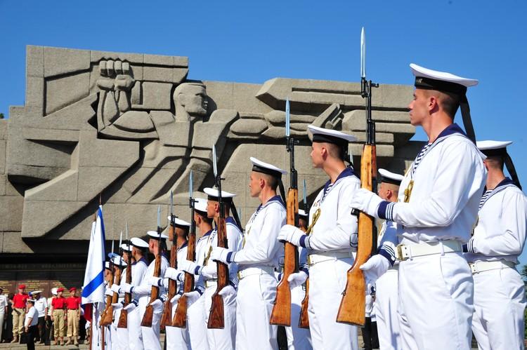 Севастополь - гордость русских моряков.