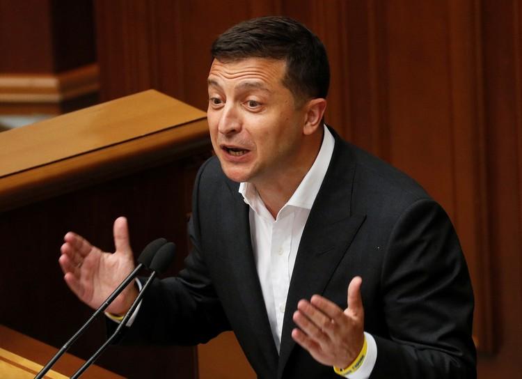 Президент Украины Владимир Зеленский на трибуне Верховной рады.