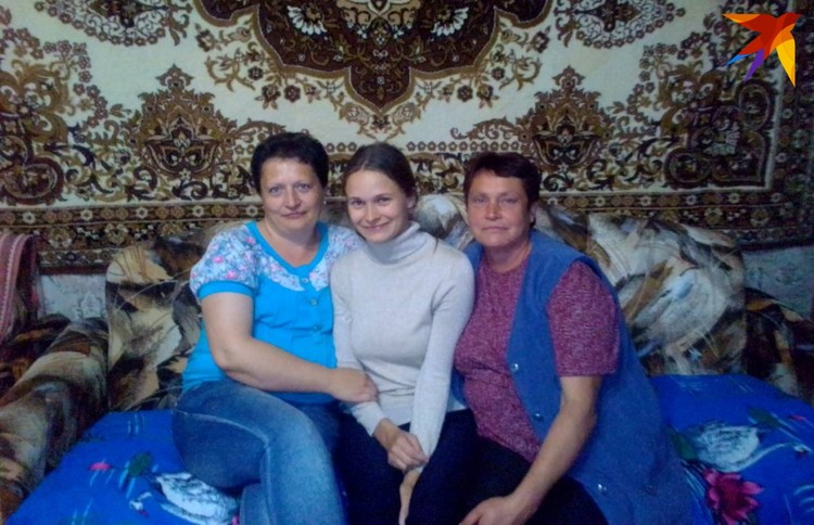 Юля вспомнила свой дом в деревне