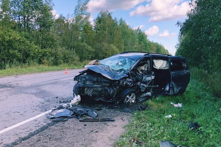 Удар пришелся прямо на водительское сидение. Фото: vk.com/dorinspb