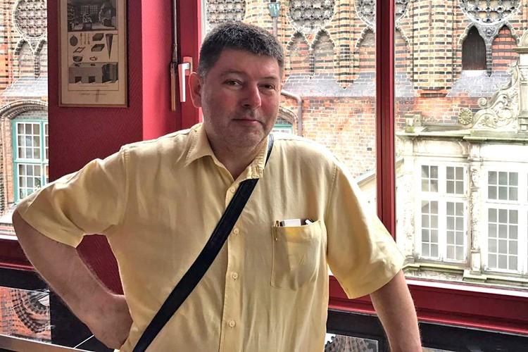 50-летний бизнесмен Игорь Маслов чудом выжил после нападения.