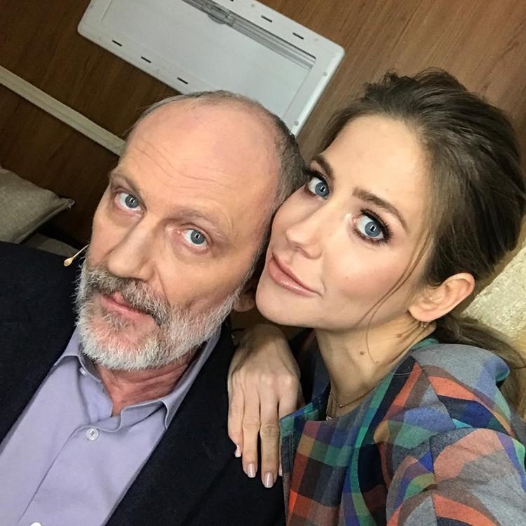 Юлия Барановская с соведущим Александром Гордоном. И этого друга ей записывали в «женихи»