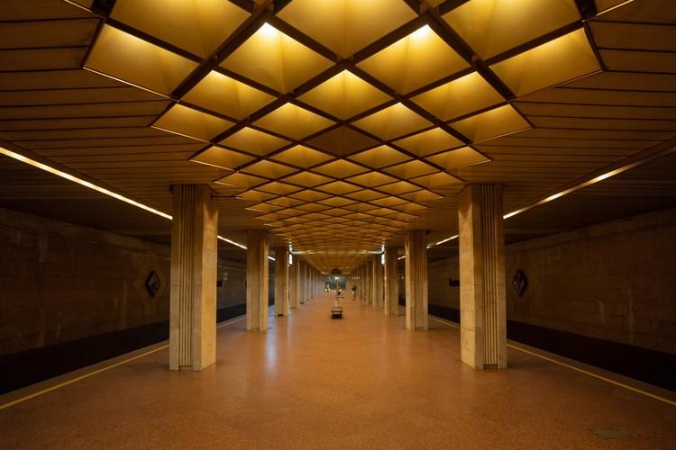 Станция «Выдубичи» в Киеве. Открыта в 1991 году. Фото: Christopher Herwig/FUEL