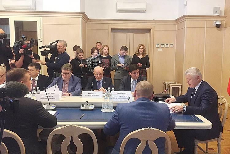 Глава Комиссии Госдумы по расследованию иностранного вмешательства в выборы в России Василий Пискарев рассказал как иностранные державы пытаются влиять на внутреннюю жизнь нашей страны