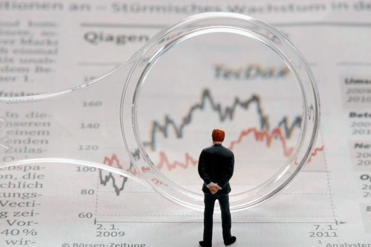 Вывод о перспективах рубля банкиры делают на основе технического анализа.