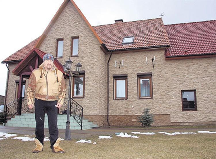 Вот этот дом Леонид Борткевич продает больше, чем за миллион долларов. Фото: личный архив