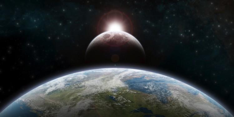До ближайших космических тел еще можно летать со скоростью света, а дальше вряд ли.