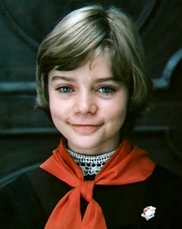 Многие девочки просили сделать такое же каре, как у Наташи Гусевой, которая играла Алису Селезневу в «Гостье из будущего»