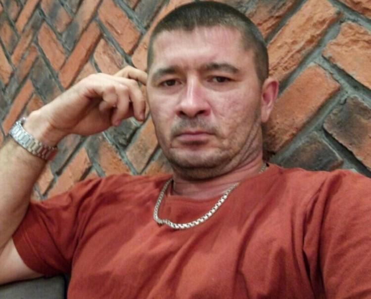 После убийства Марат вернулся в родной Копейск и продолжил таксовать. Фото: СОЦСЕТИ