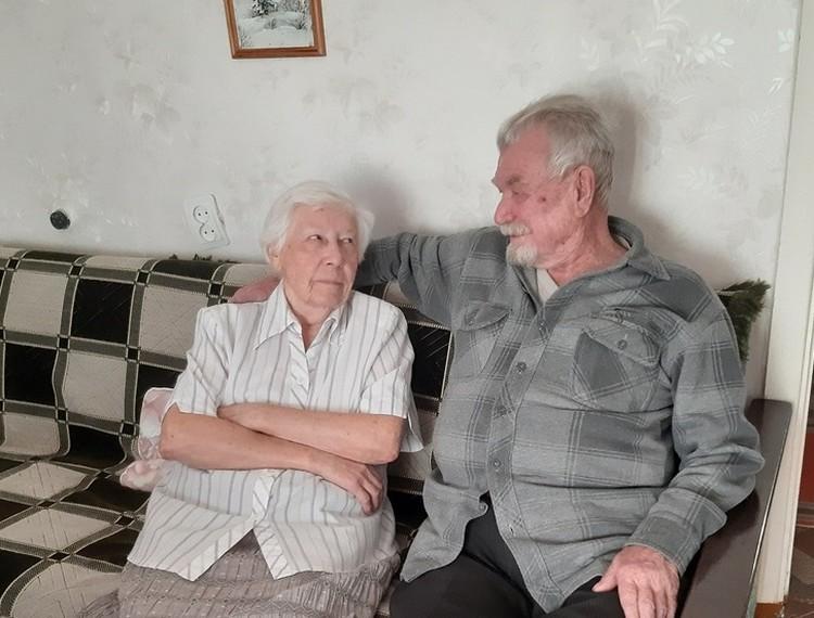 У супружеской пары трое детей, четыре внучки, семь правнуков