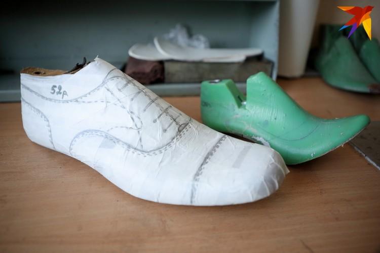 В обувном ателье могут сшить туфли и 34 размера, и 52-го!
