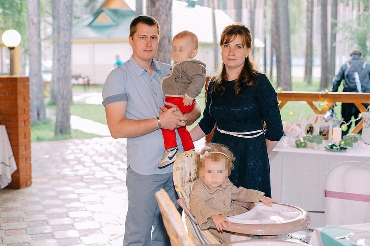 Подсудимый Алексей Вялых с бывшей женой Екатериной Глотовой и детьми. Фото: предоставлено Екатериной Глотовой