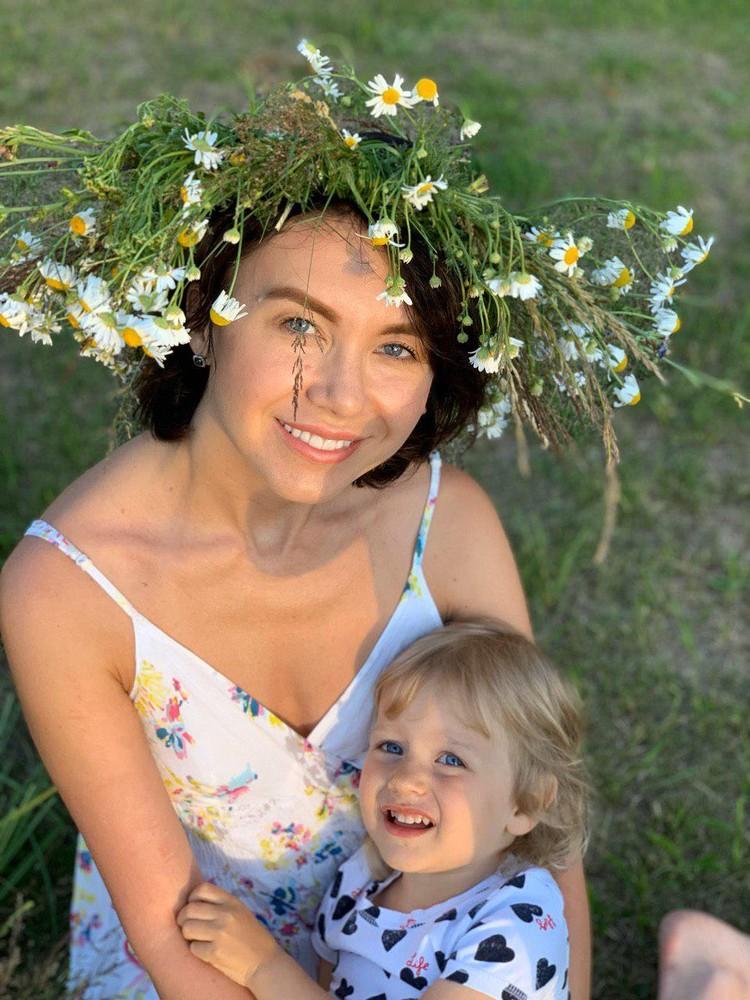 Елена сама воспитывает детей. Помогает ей няня. Фото: героя публикации.