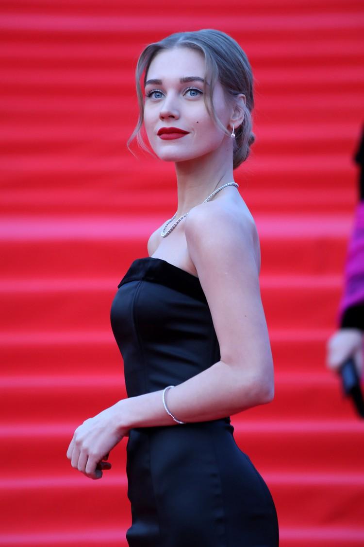 Проект Ксении Собчак чуть не пострадал из-за прелестей Кристины Асмус.