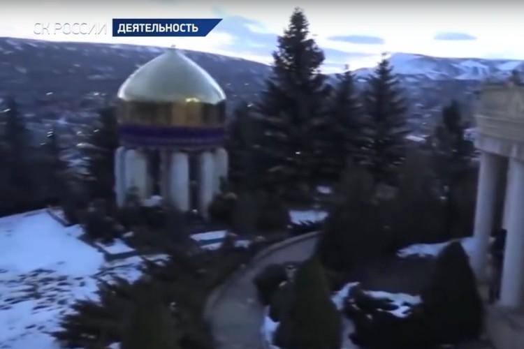 Золотая усыпальница. Отсюда видно, насколько огромен особняк Гамидова. Фото: СК РФ