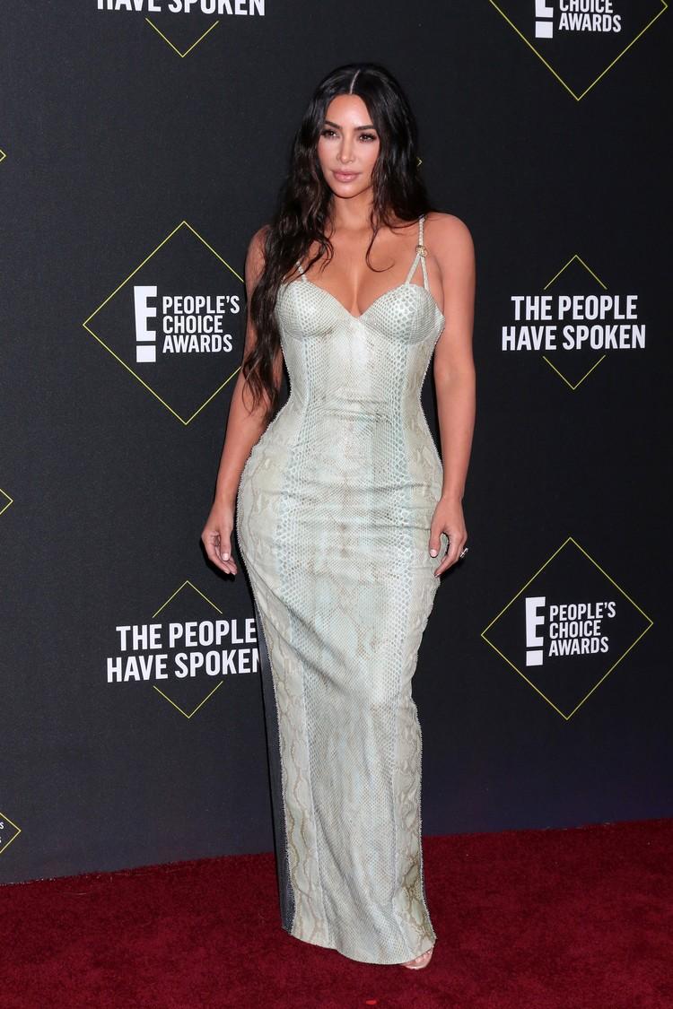 Ким пришла на церемонию в платье з змеиной кожи.
