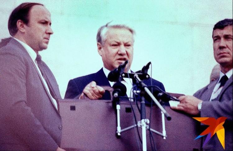 Первый президент России Борис Ельцин ушел в отставку 31 декабря 1999 года.