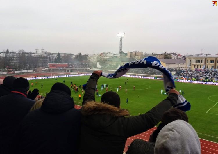 Брестчане почти весь матч провели стоя - поддерживали команду.