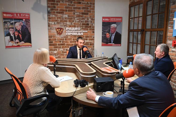 Антон Шипулин в прямом эфире