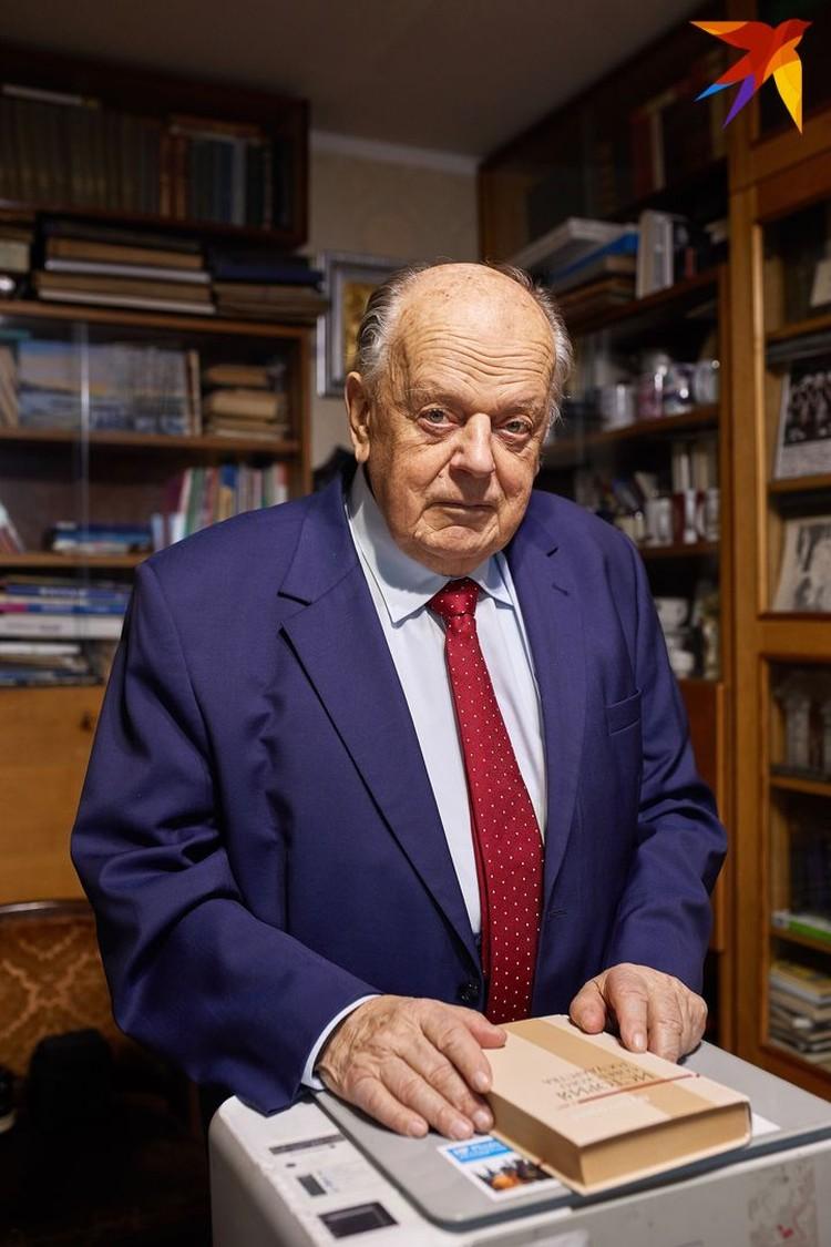 Станиславу Шушкевичу 15 декабря исполнится 85.