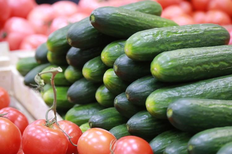 вечером 31 декабря цены на помидоры и огурцы могут стать намного выше