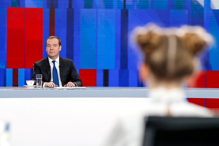 Дмитрий Медведев дал большое ежегодное интервью телеканалам